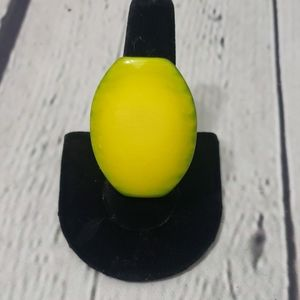 LARGE YELLOW OVAL PLASTIC RING